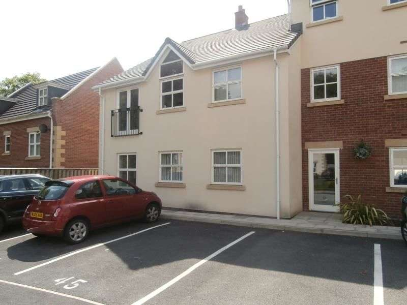 1 Bedroom Flat for rent in Clarendon Gardens, Bromley Cross, Bolton, BL7