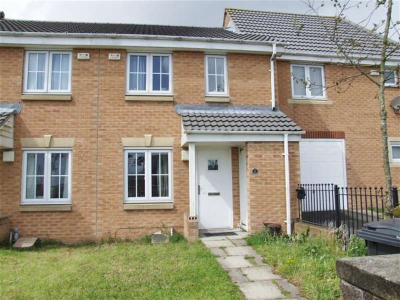 3 Bedrooms Town House for sale in Hazel Drive, Illingworth, Halifax, HX2 9NB