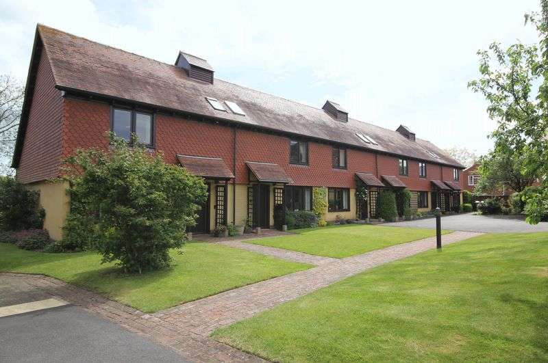 2 Bedrooms Cottage House for sale in Berrow Court, Gardens Walk, Upton upon Severn
