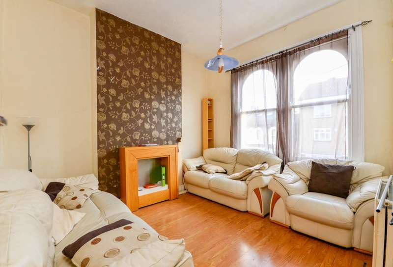 3 Bedrooms Maisonette Flat for sale in Crofton Road, Camberwell, SE5
