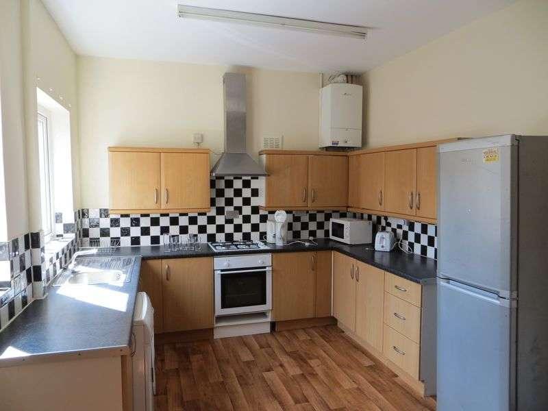 5 Bedrooms Property for rent in Burford Road, Nottingham