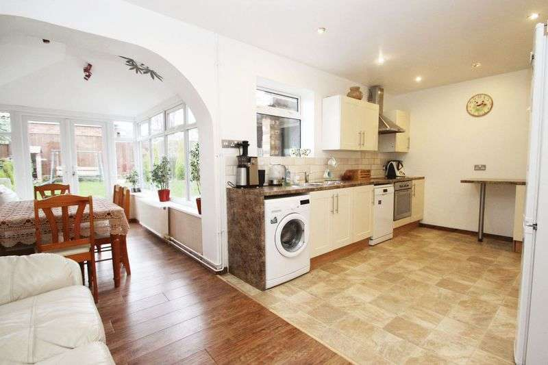 3 Bedrooms Terraced House for sale in LUDLOW PLACE, CLEETHORPES