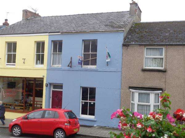 Terraced House for sale in 73 Main Street