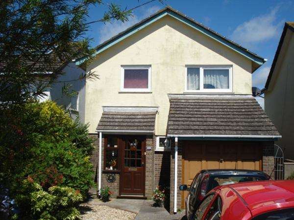 3 Bedrooms Detached House for sale in 31 Essex Road