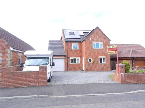 4 Bedrooms Detached House for sale in Barrons Way, Durham