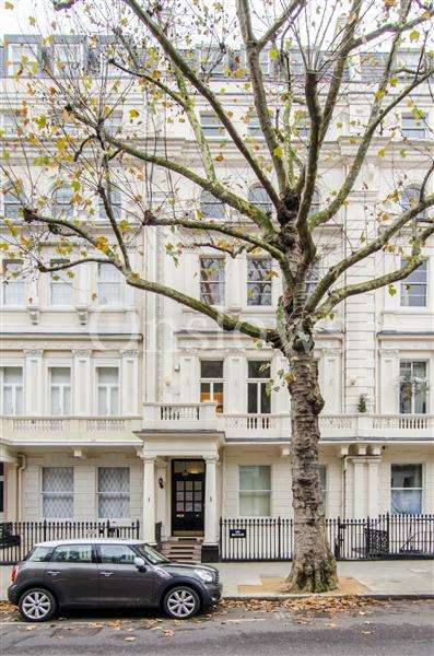 4 Bedrooms Apartment Flat for sale in Queens Gate, London
