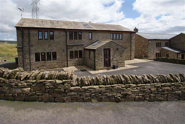 5 Bedrooms Detached House for sale in Top O'th Hill Cottage, Meadowhead Lane, Rochdale