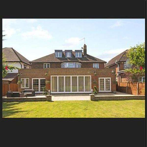 6 Bedrooms Detached House for sale in Aylmer Road - North London