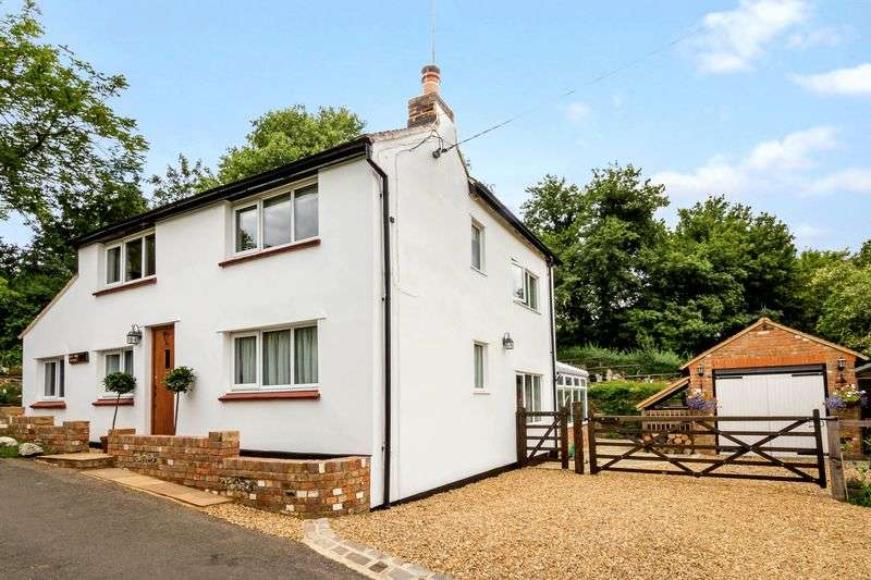 3 Bedrooms Detached House for sale in Trowley Bottom, Flamstead, Herts