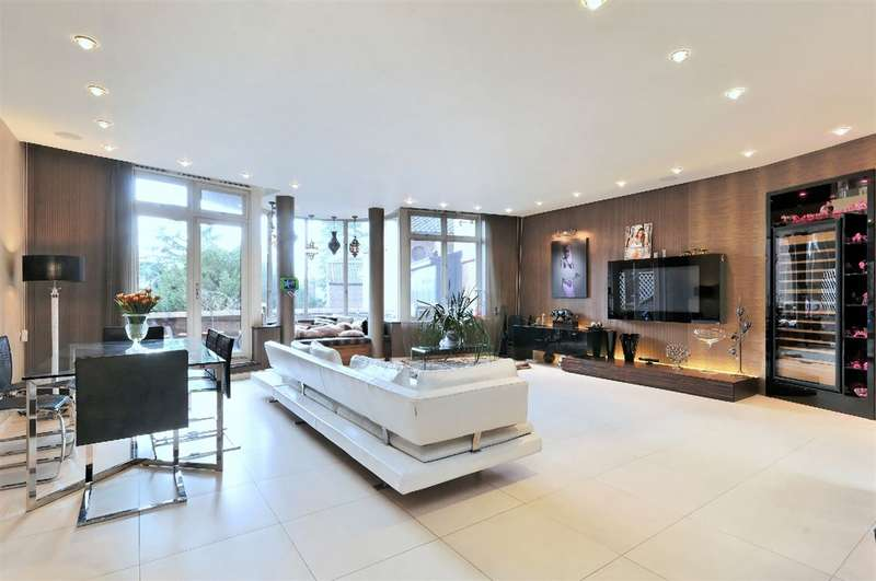 3 Bedrooms Property for sale in Firecrest Drive, Hampstead, NW3
