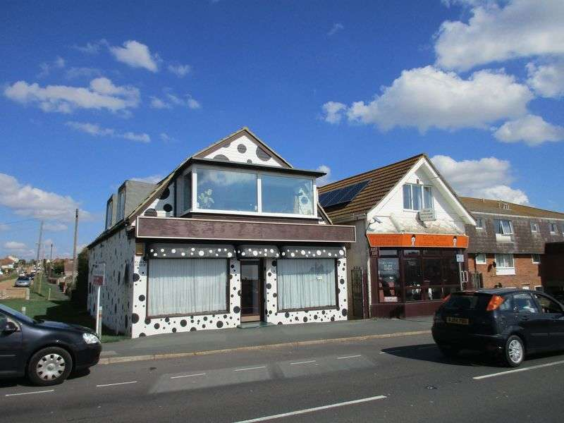2 Bedrooms Flat for sale in South Coast Road, PEACEHAVEN East Sussex BN10 7EJ