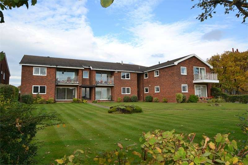 2 Bedrooms Flat for sale in Stanley Road, Hoylake