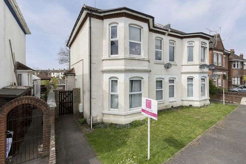 1 Bedroom Flat for sale in 49 Westridge Road, Portswood, Southampton - Newly Refurbished