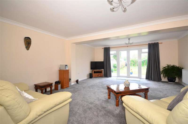 2 Bedrooms Bungalow for sale in Lunsford Lane, Larkfield, Aylesford, Kent