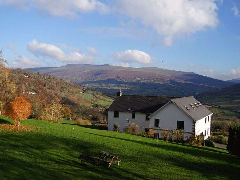 7 Bedrooms Detached House for sale in Bwlch, Brecon