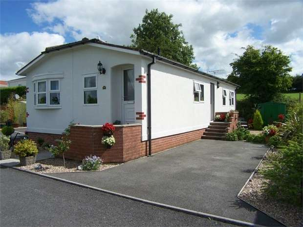 2 Bedrooms Park Home Mobile Home for sale in Shillingford Park, Carmarthen Road, KILGETTY, Pembrokeshire