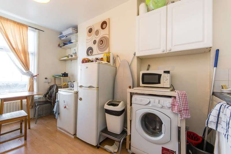 1 Bedroom Flat for sale in Old Kent Road, Bermondsey, SE1
