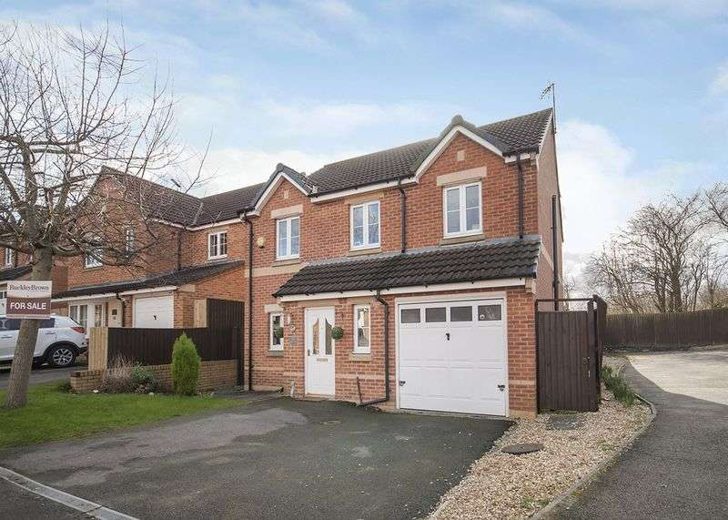 4 Bedrooms Detached House for sale in Kingfisher Road, Mansfield