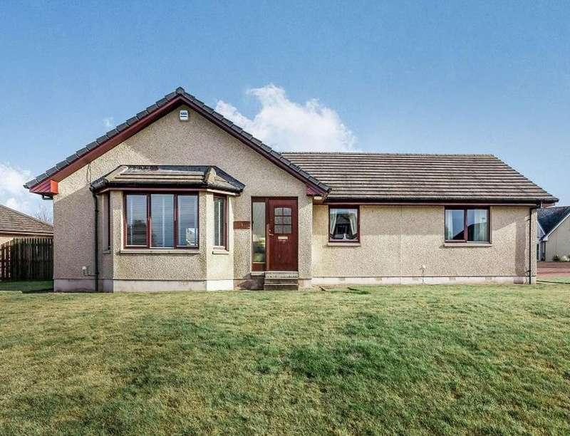 3 Bedrooms Detached House for sale in Myreside Drive, Inverkeilor, Arbroath, DD11