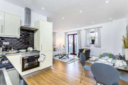 2 Bedrooms Flat for sale in Wickham Road, Fareham