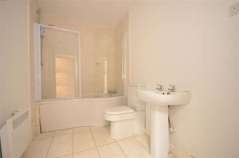 3 Bedrooms Terraced House for sale in High Street, Wouldham, Rochester, Kent
