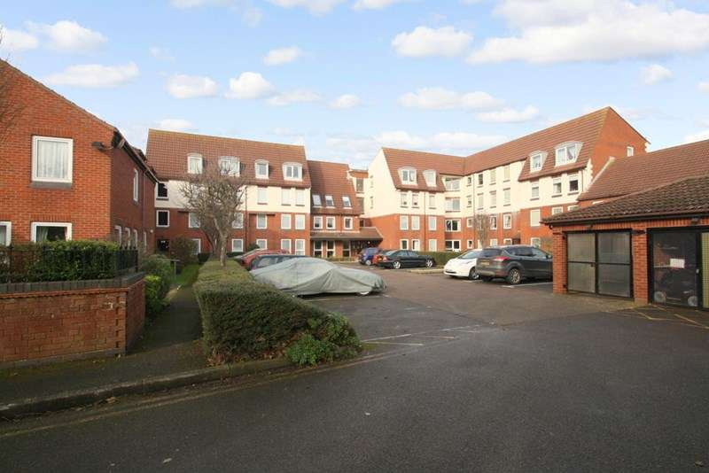 1 Bedroom Retirement Property for sale in Homesea House, Southsea, PO5 4DG