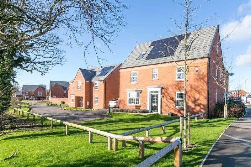 5 Bedrooms Detached House for sale in Kielder Gardens, Leyland, PR25 5AB