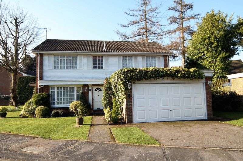 4 Bedrooms Detached House for sale in Shaw Close, Bushey Heath