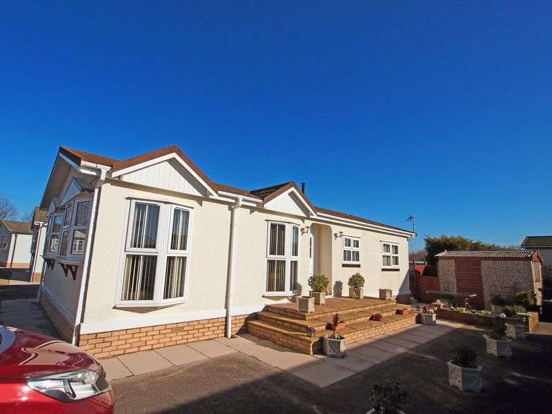 2 Bedrooms Detached House for sale in Stud Farm Park, Heaton With Oxcliffe, Morecambe