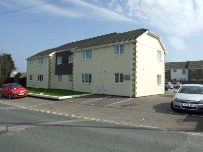 2 Bedrooms Flat for sale in Foundry Road, Camborne, Cornwall