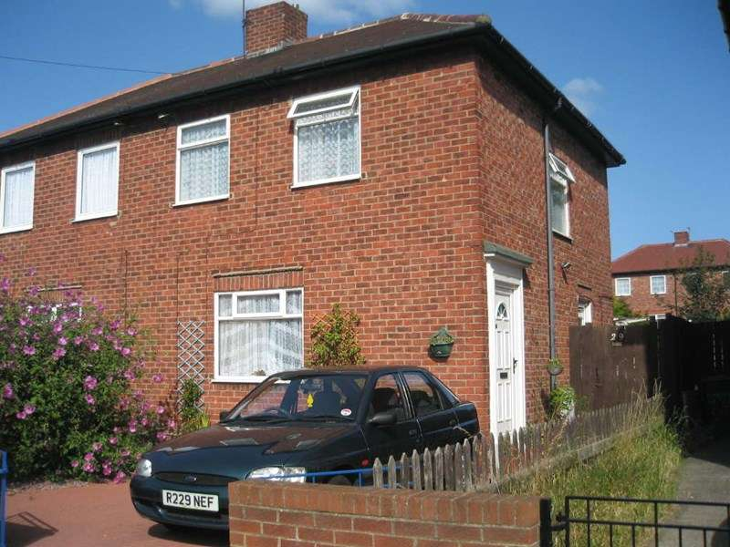 3 Bedrooms Semi Detached House for sale in Cheviot Road, South Shields