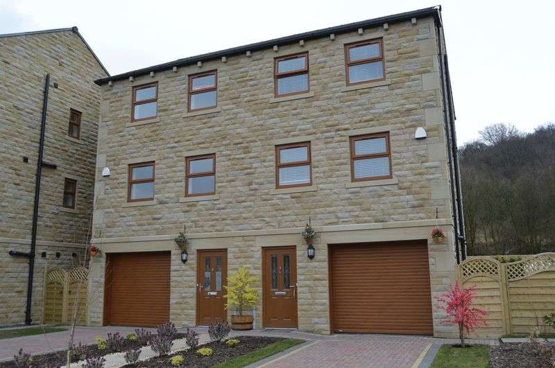 4 Bedrooms Semi Detached House for sale in Derdale Street, Todmorden