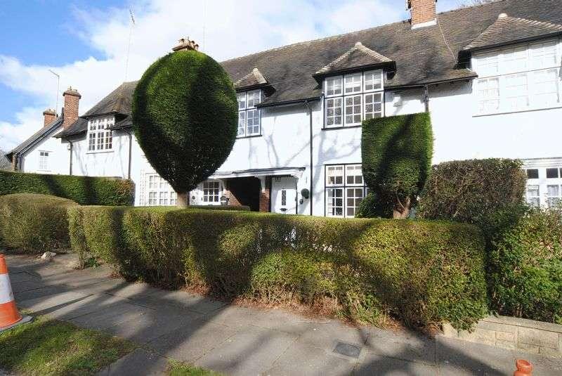 3 Bedrooms House for sale in Oakwood Road, Hampstead Garden Suburb, NW11