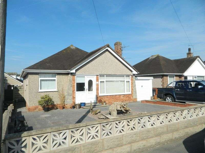 3 Bedrooms Detached Bungalow for sale in Highlands Road, Rhyl