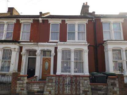 3 Bedrooms Terraced House for sale in Argyle Road, London