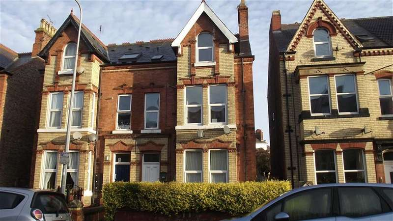Block Of Apartments Flat for sale in Trinity Road, Bridlington, YO15