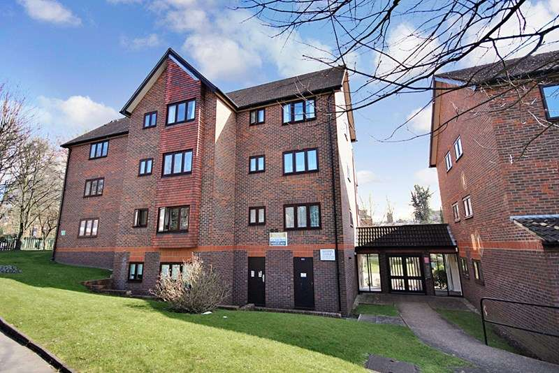 1 Bedroom Retirement Property for sale in Autumn Lodge, Croydon, CR2 7DY
