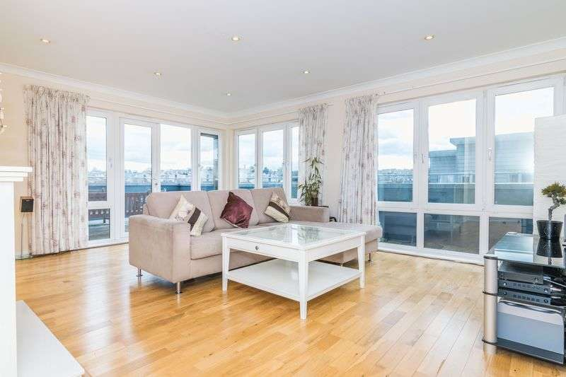 3 Bedrooms Flat for sale in Flat 10, 3 Orrok Lane, Liberton, Edinburgh, EH16 5HF