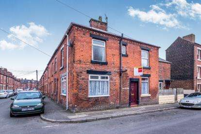 3 Bedrooms Terraced House for sale in Talbot Street, Leek, Staffordshire, Leek