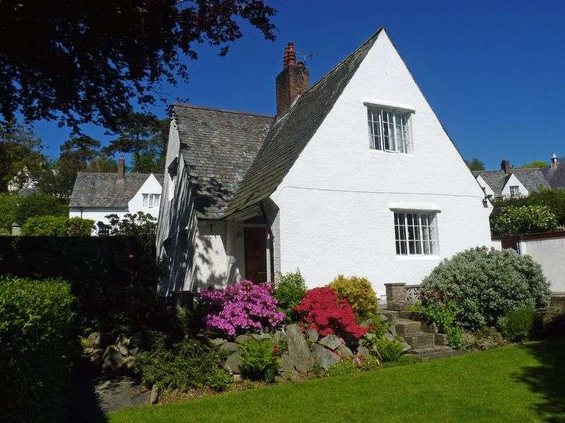 3 Bedrooms Detached House for sale in The Close, Llanfairfechan