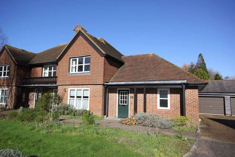 2 Bedrooms Cottage House for sale in Timbermill Court, Fordingbridge
