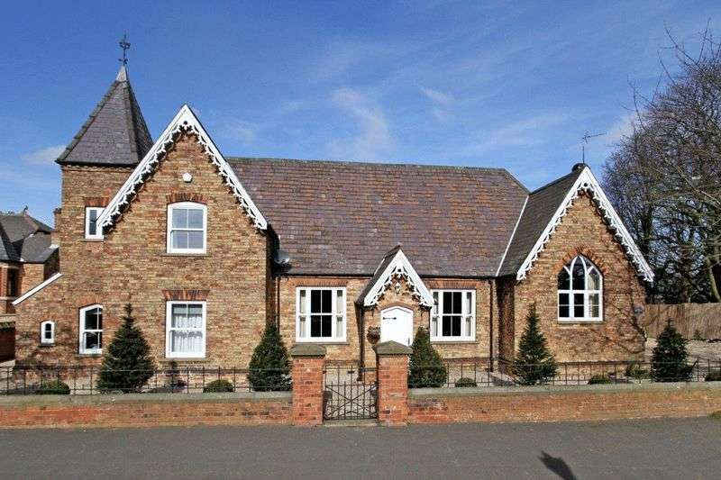 4 Bedrooms Detached House for sale in North Street, Roxby