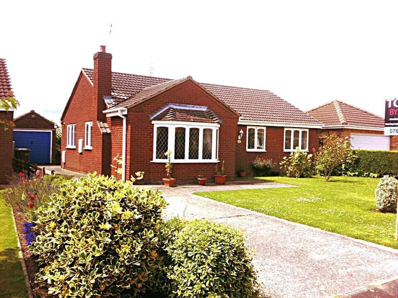 3 Bedrooms Bungalow for sale in Westbourne Drive, Scunthorpe, Lincolnshire, DN17