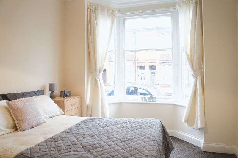 5 Bedrooms Terraced House for rent in Bramley Road, Leicester, LE3