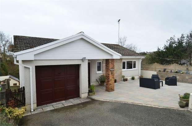 4 Bedrooms Detached House for sale in Furzy Bank, Pembroke Dock, Pembrokeshire