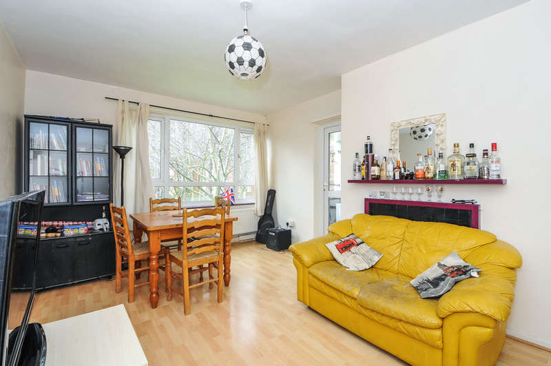 4 Bedrooms Flat for sale in Birchmore Walk, London