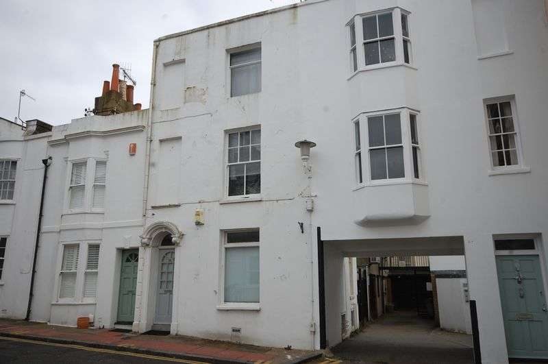 3 Bedrooms Cottage House for sale in Castle Street, Brighton