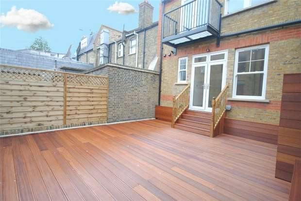 2 Bedrooms Flat for sale in Garfield Road, Twickenham