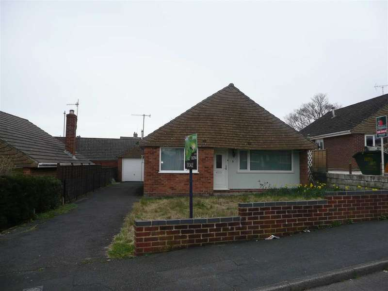 2 Bedrooms Bungalow for sale in Newland Road, Rodbourne Cheney, Swindon