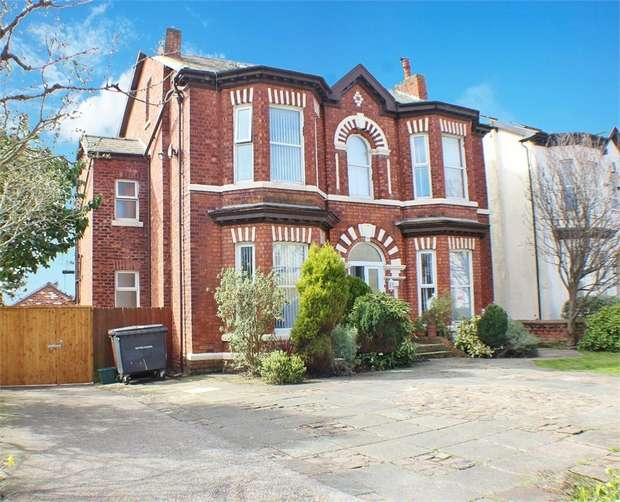 2 Bedrooms Flat for sale in 24 Alexandra Road, Southport, Merseyside